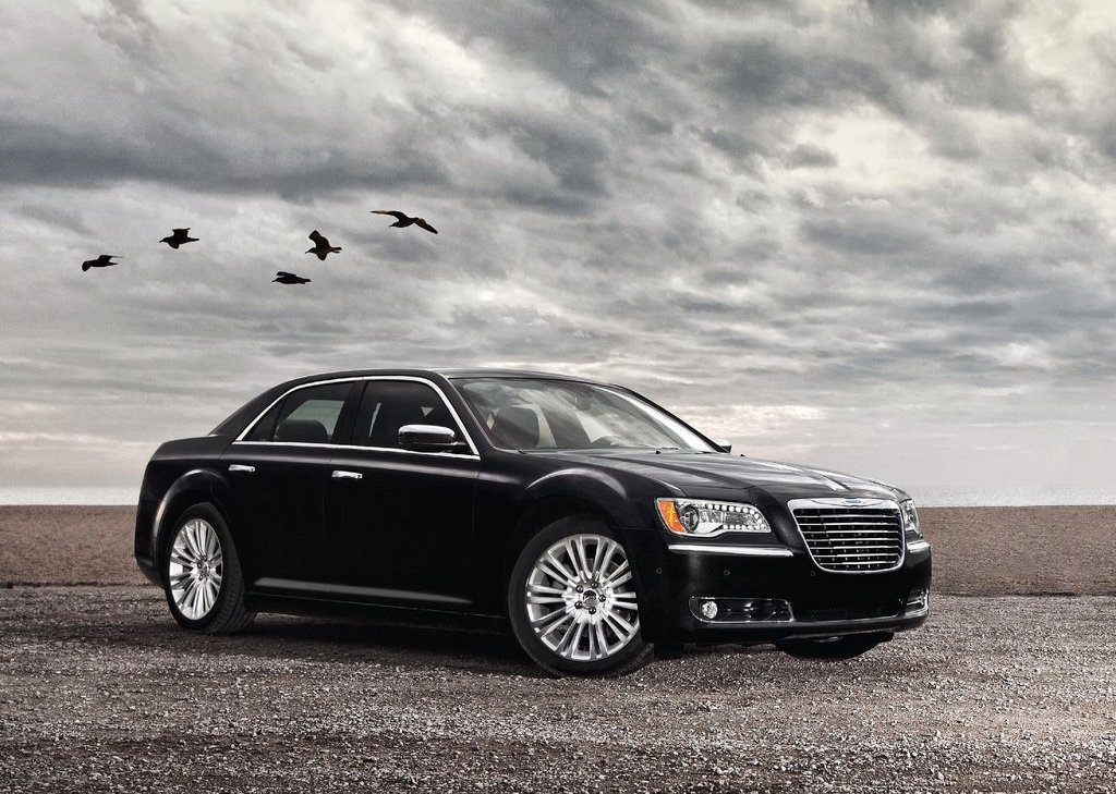 Featured Image of 2011 Chrysler 300 Review