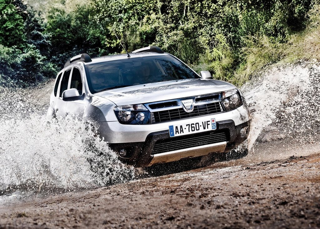 2011 Dacia Duster Front (Photo 3 of 10)