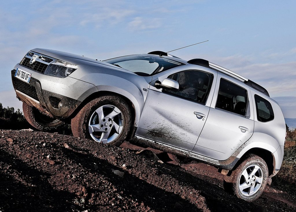 2011 Dacia Duster Left Side (Photo 7 of 10)