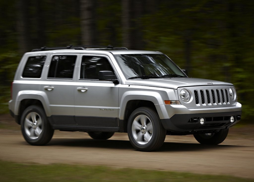 2011 Jeep Patriot Front Angle (View 2 of 7)
