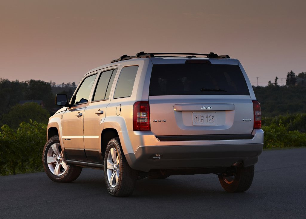2011 Jeep Patriot Rear (View 4 of 7)