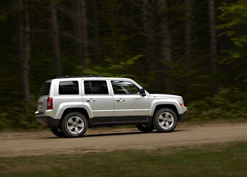 2011 Jeep Patriot Right Side (View 5 of 7)