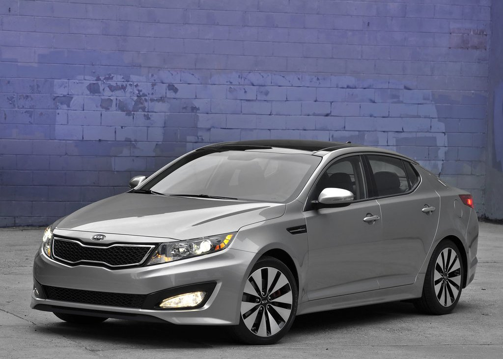 Featured Image of 2011 Kia Optima Review