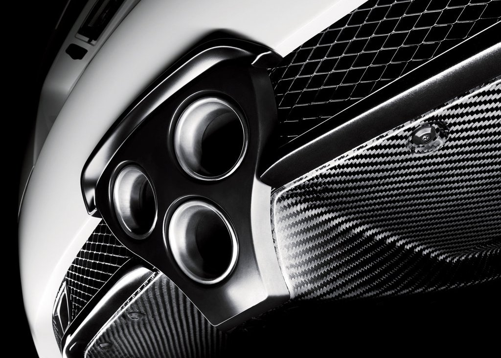 2011 Lexus LFA Exhaust (Photo 4 of 10)