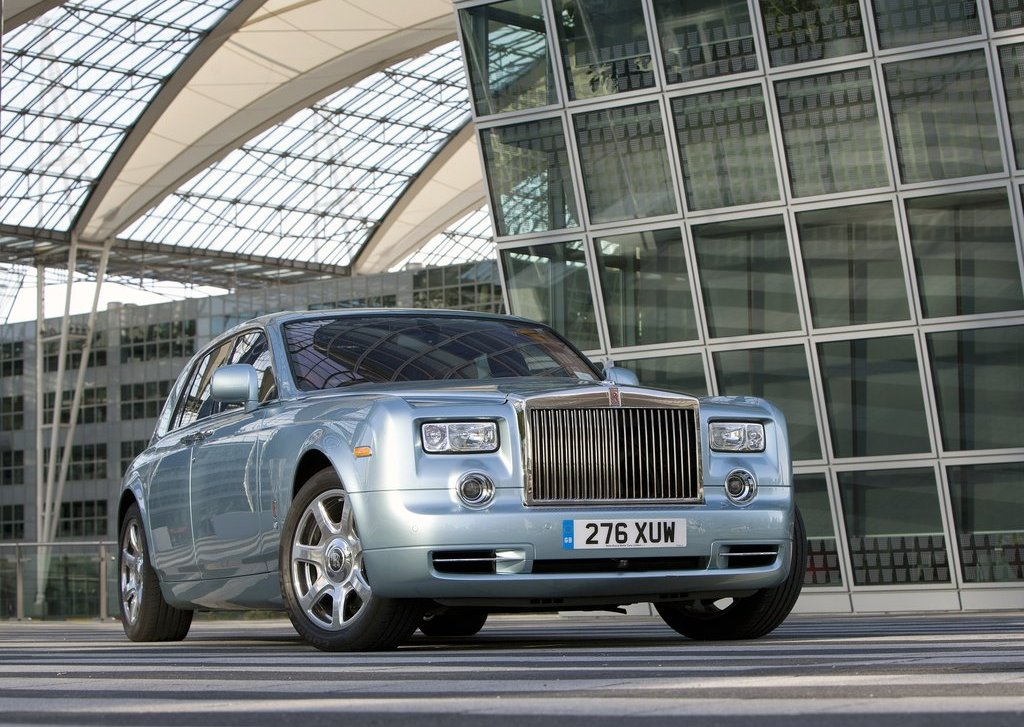 2011 Rolls Royce 102EX Electric Front (Photo 3 of 10)