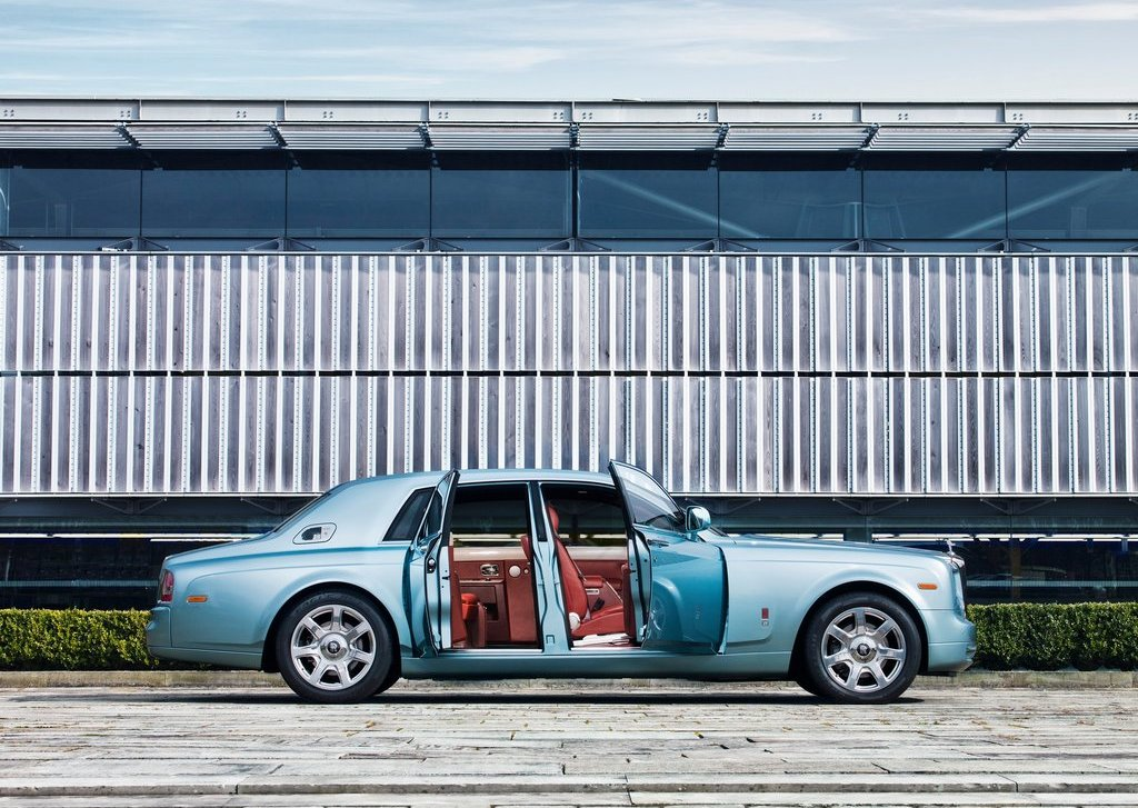 2011 Rolls Royce 102EX Electric Right Side (Photo 7 of 10)