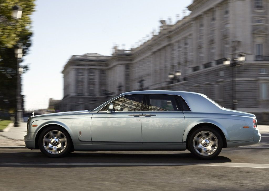 2011 Rolls Royce 102EX Electric Side (Photo 8 of 10)