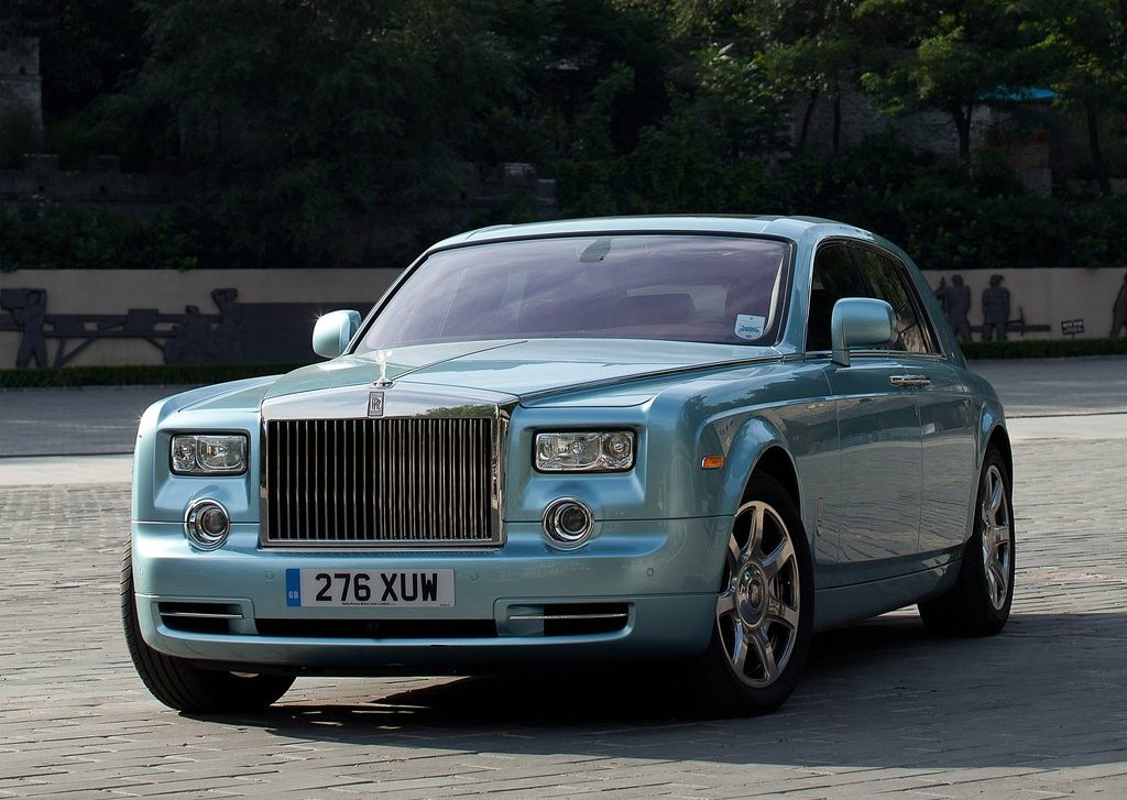 Featured Image of 2011 Rolls Royce 102EX Electric Review