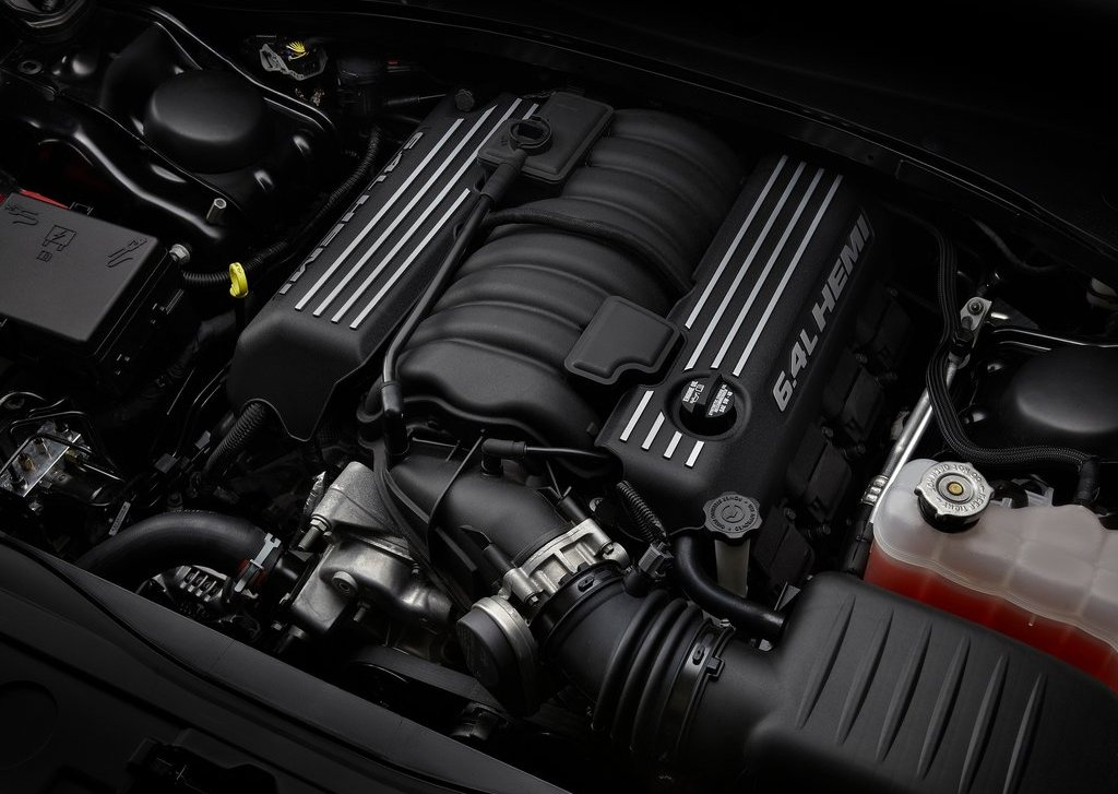 2012 Chrysler 300 SRT8 Engine (Photo 3 of 9)