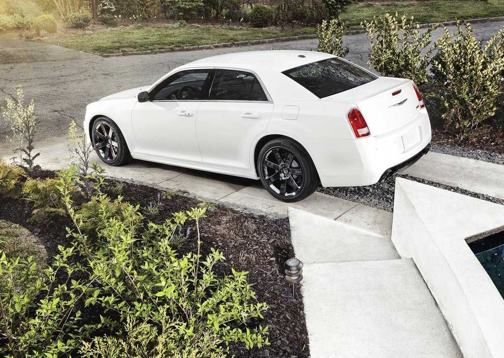 2012 Chrysler 300 SRT8 Rear Angle (Photo 8 of 9)