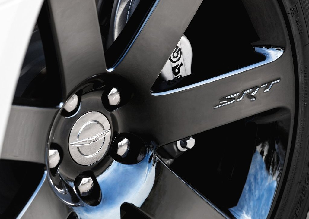 2012 Chrysler 300 SRT8 Wheel (Photo 9 of 9)