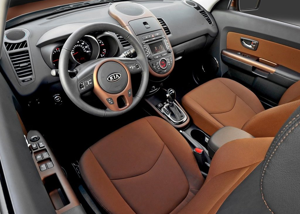 2012 Kia Soul Interior (Photo 4 of 9)
