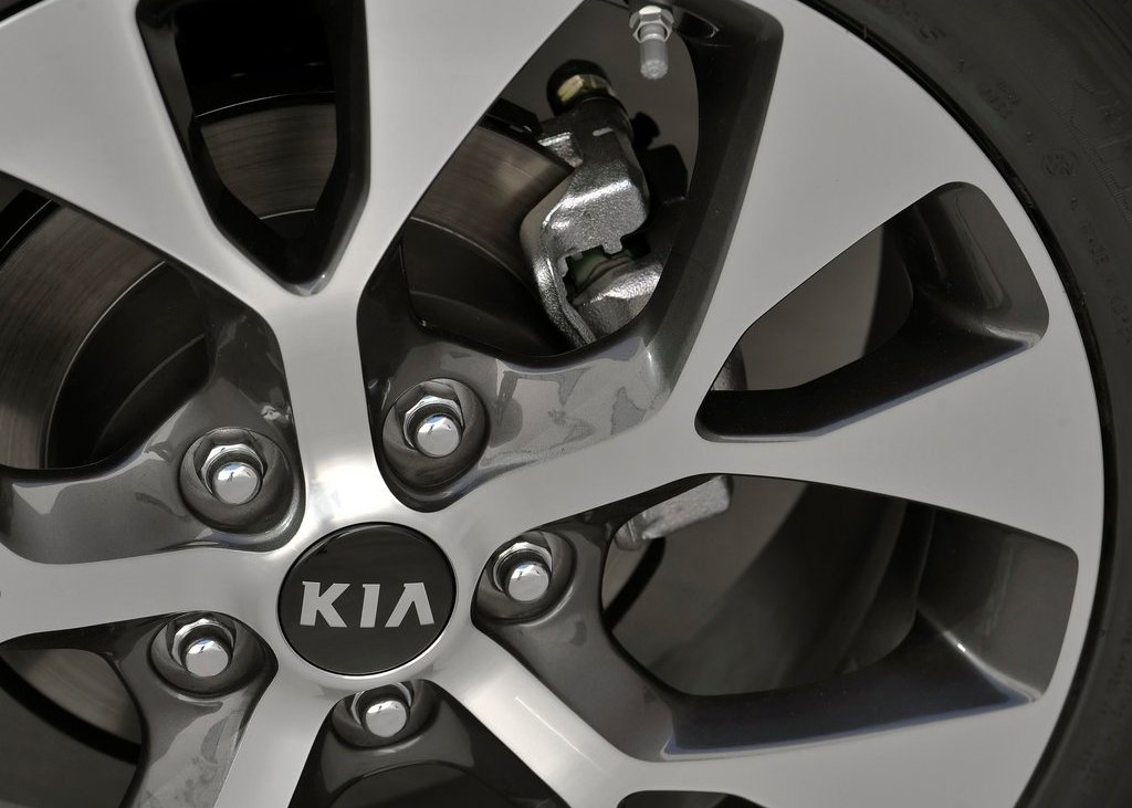 2012 Kia Soul Wheel (Photo 9 of 9)