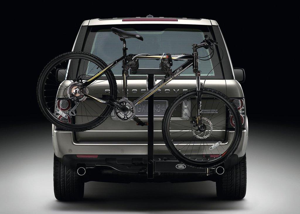 2012 Land Rover Range Rover Rear (Photo 6 of 8)