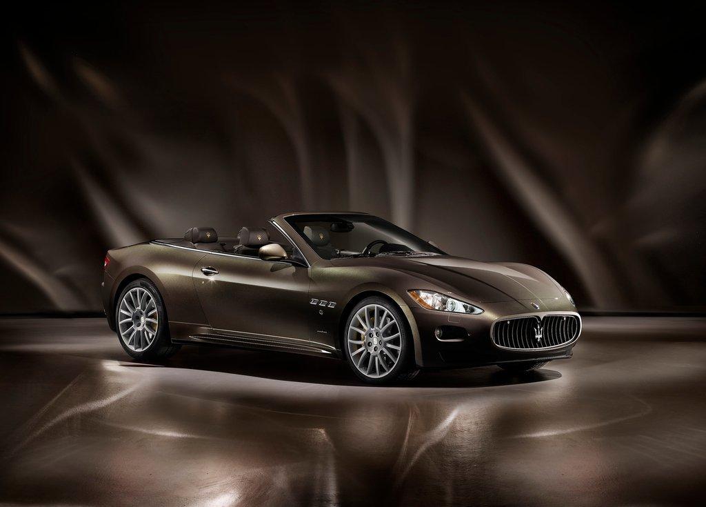 Featured Image of 2012 Maserati GranCabrio Fendi Review