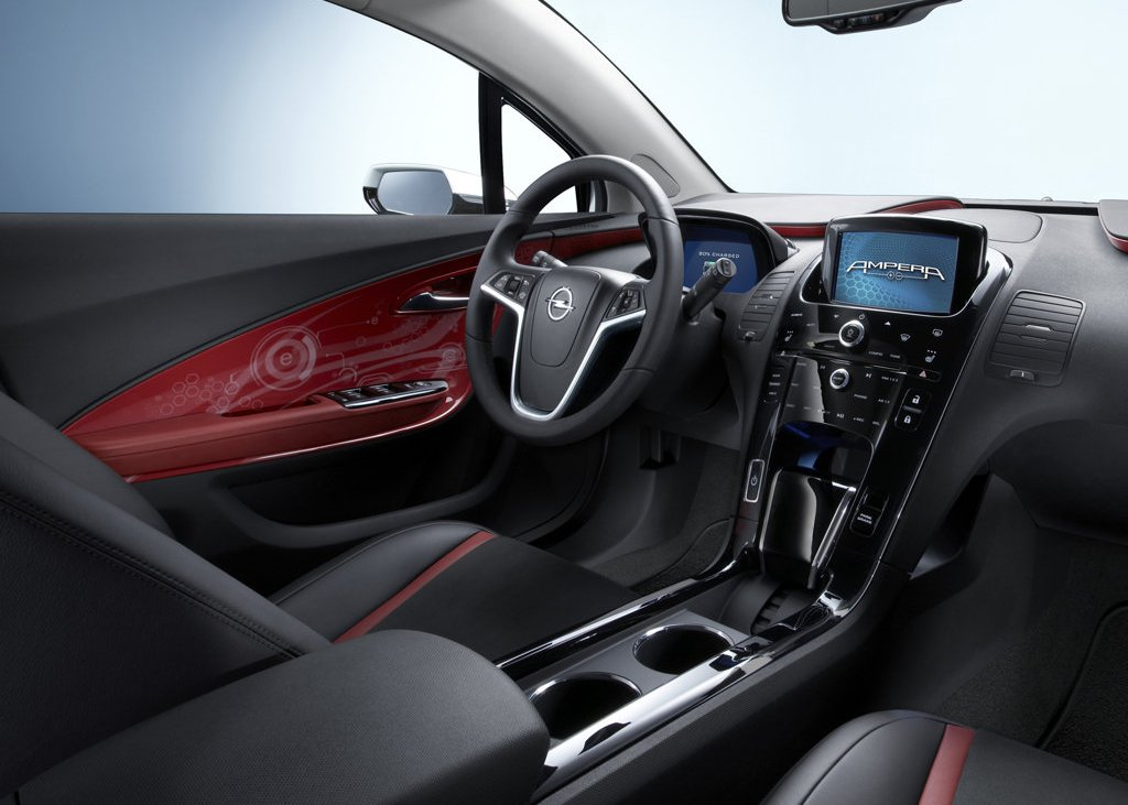 2012 Opel Ampera Interior (View 5 of 11)