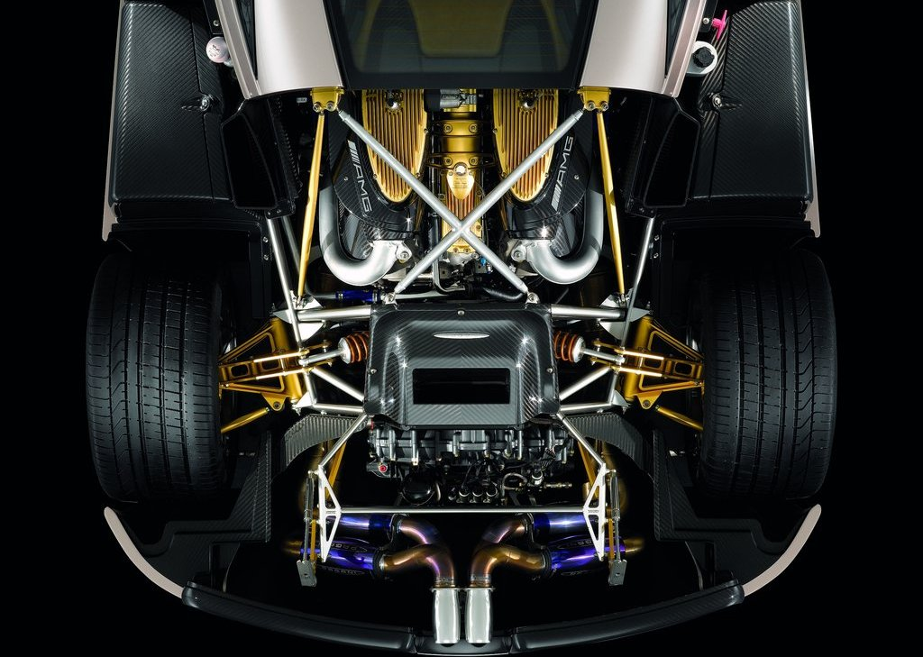 2012 Pagani Huayra Engine (Photo 3 of 10)