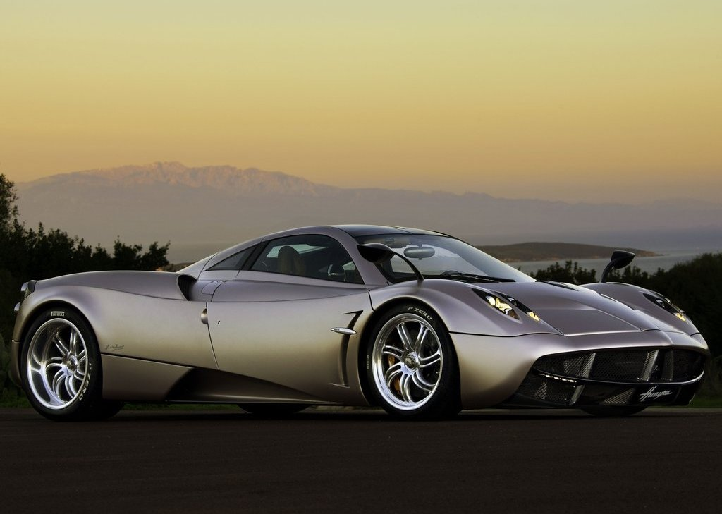 2012 Pagani Huayra (Photo 1 of 10)