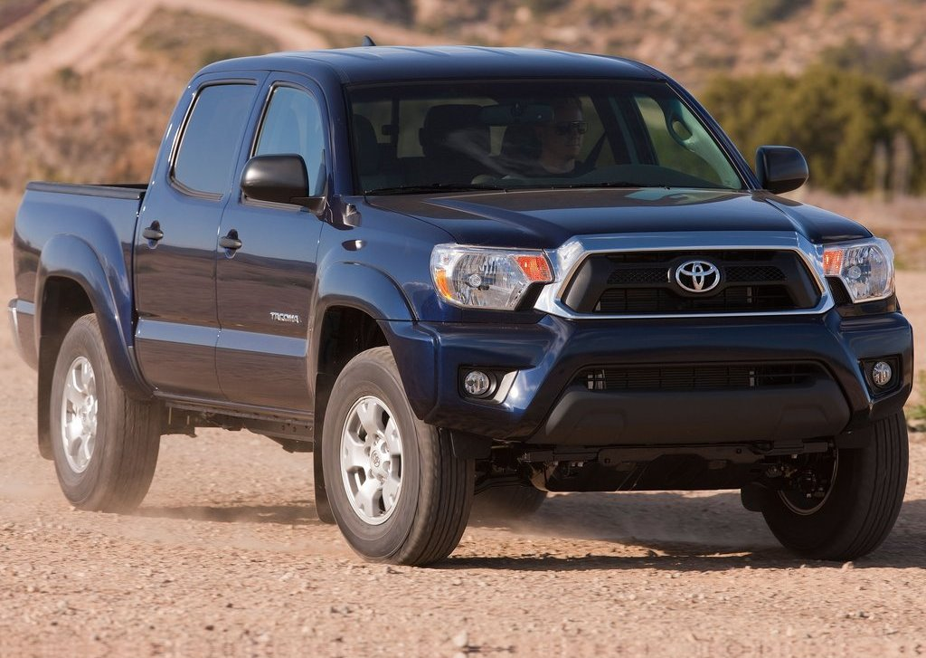 2012 Toyota Tacoma Front Angle (Photo 4 of 10)