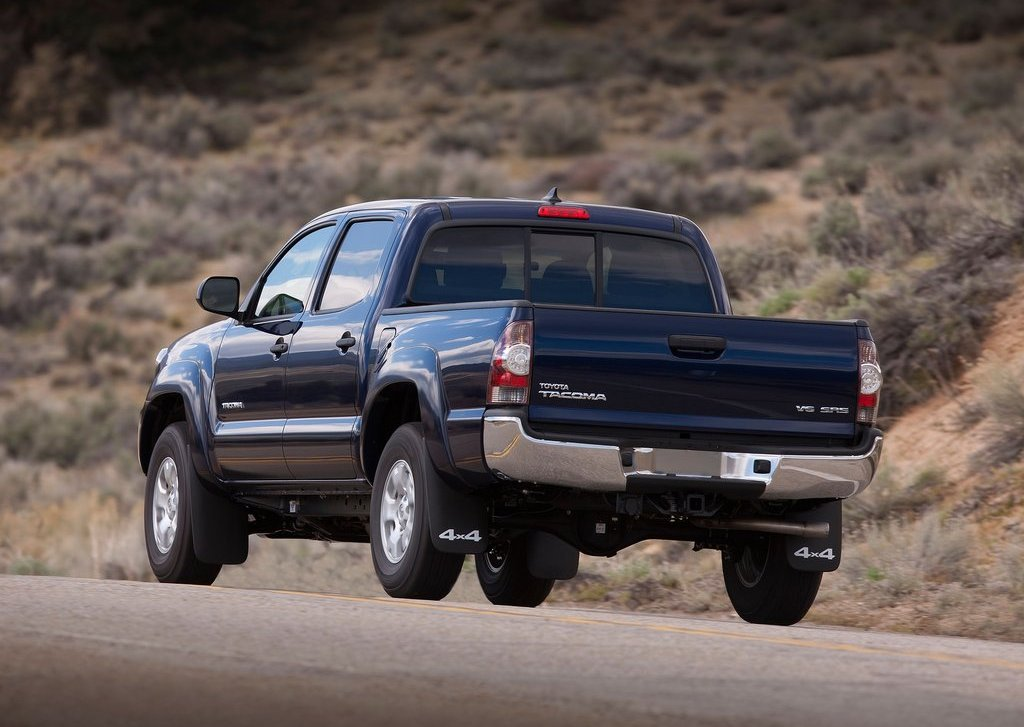 2012 Toyota Tacoma Rear (Photo 6 of 10)