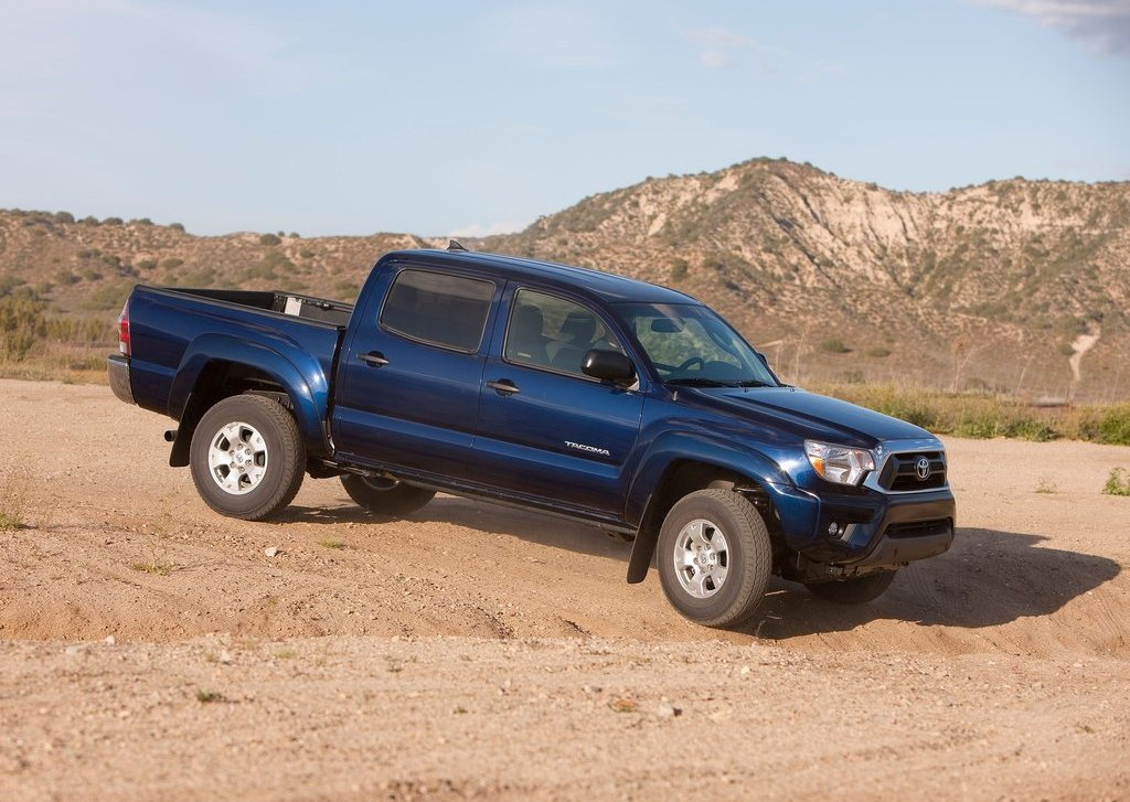 2012 Toyota Tacoma Right Side (Photo 7 of 10)