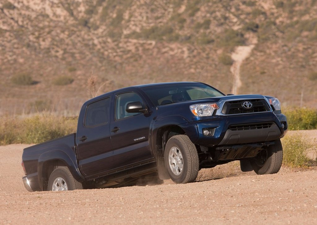 2012 Toyota Tacoma Side (Photo 9 of 10)