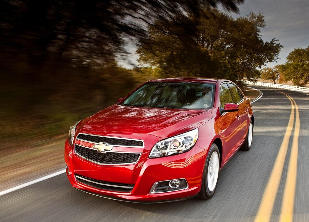 2013 Chevrolet Malibu ECO Front Angle (Photo 5 of 9)