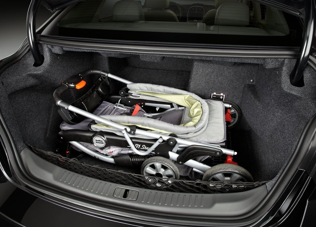 2013 Chevrolet Malibu ECO Trunk (Photo 9 of 9)