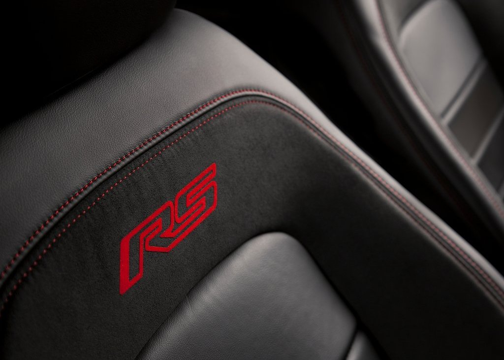 2013 Chevrolet Sonic RS Seat (Photo 5 of 27)
