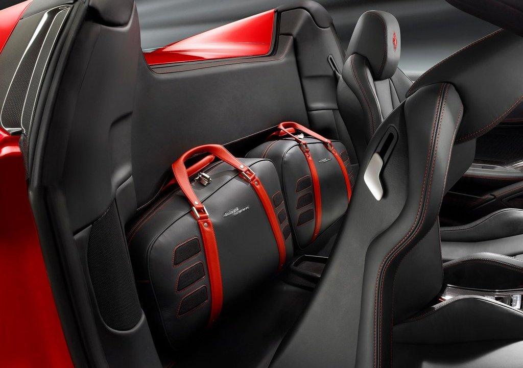 2013 Ferrari 458 Spider Seat (Photo 10 of 11)