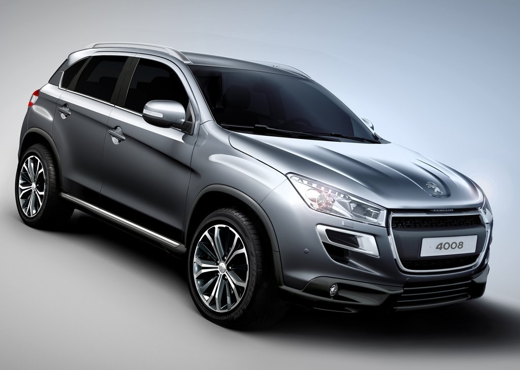 2013 Peugeot 4008 Front Angle (Photo 3 of 4)
