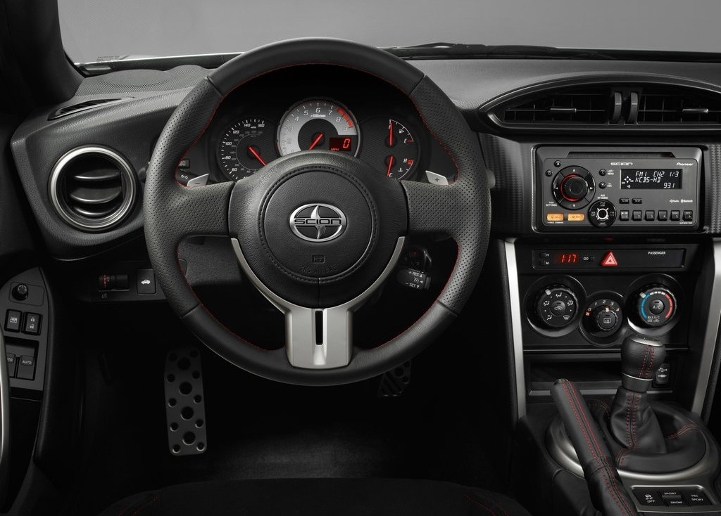 2013 Scion FR S Feature (Photo 18 of 47)