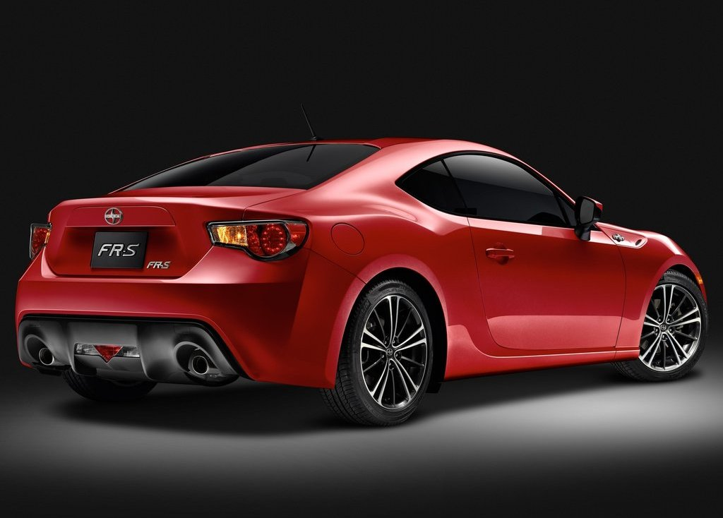 2013 Scion FR S Rear Angle (Photo 31 of 47)