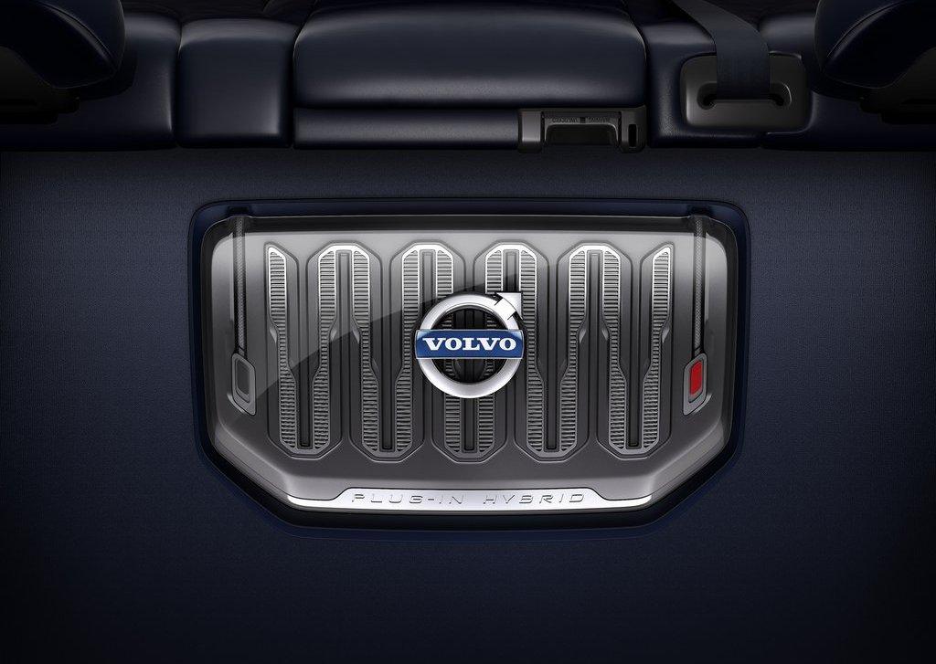 2013 Volvo V60 Plug In Hybrid Engine (Photo 3 of 9)