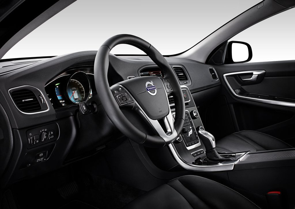 2013 Volvo V60 Plug In Hybrid Interior (View 3 of 9)
