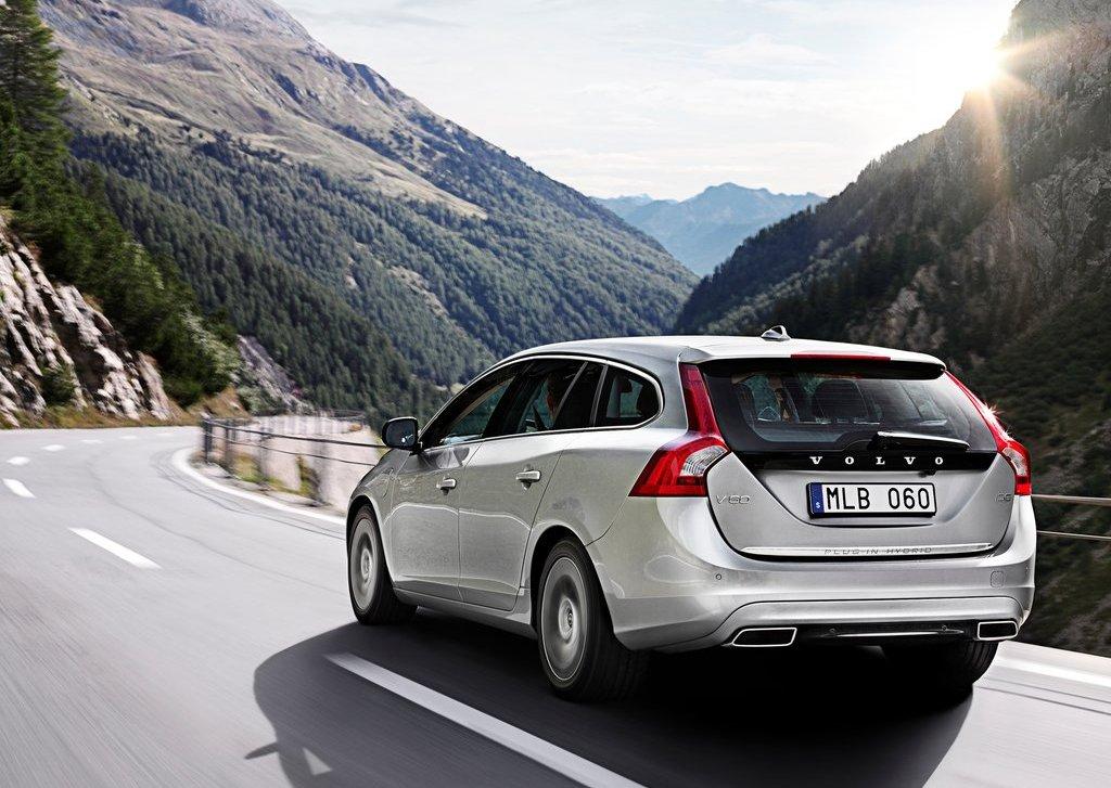 2013 Volvo V60 Plug In Hybrid Rear (Photo 6 of 9)