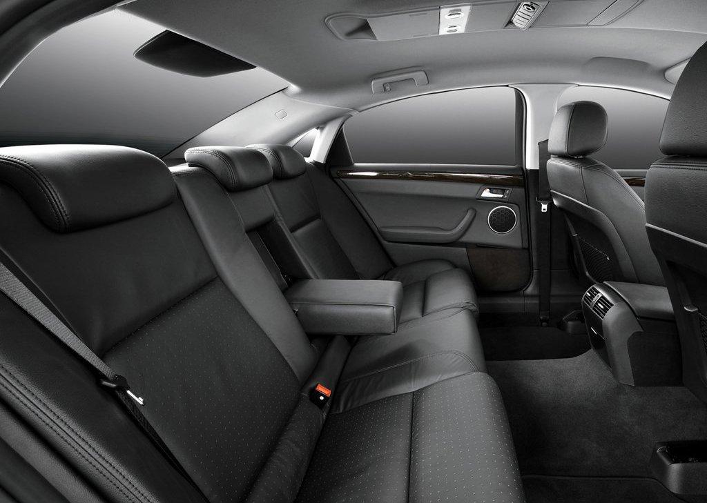 2007 Daewoo L4X Seat (Photo 7 of 8)