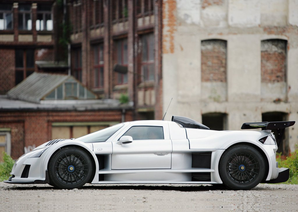 2008 Gumpert Apollo Side (Photo 8 of 10)