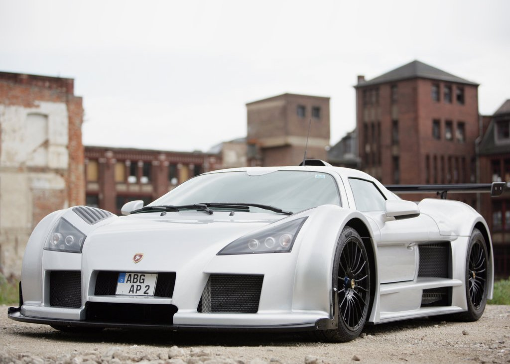Featured Image of 2008 Gumpert Apollo Concept Review