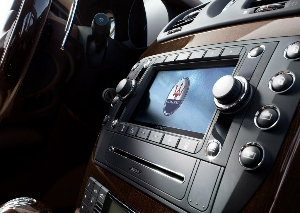 2009 Maserati Quattroporte Feature (Photo 2 of 6)