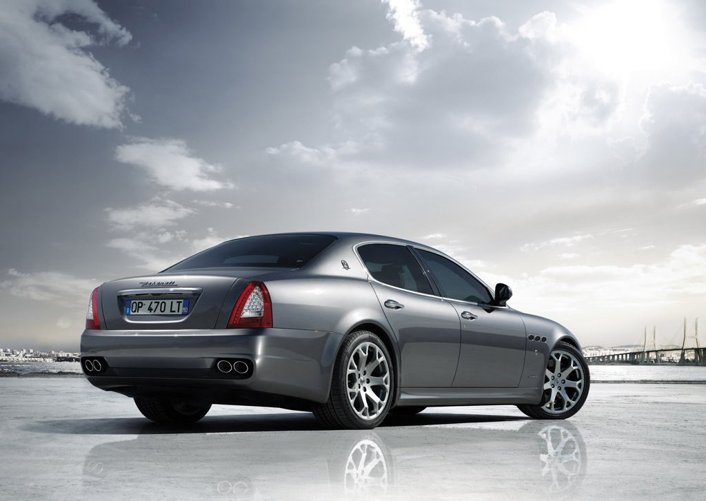 2009 Maserati Quattroporte Rear Angle (Photo 6 of 6)