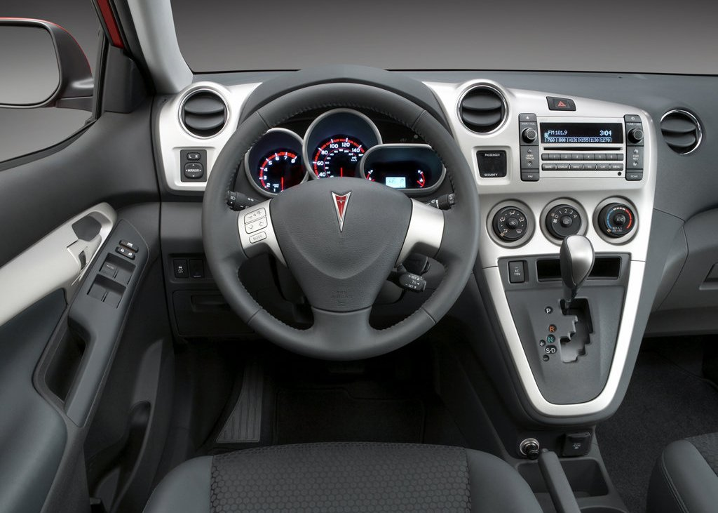 2009 Pontiac Vibe Interior (Photo 4 of 8)