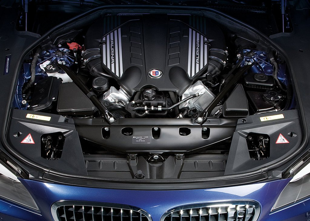 2010 Alpina BMW B7 Bi Turbo Engine (Photo 2 of 14)