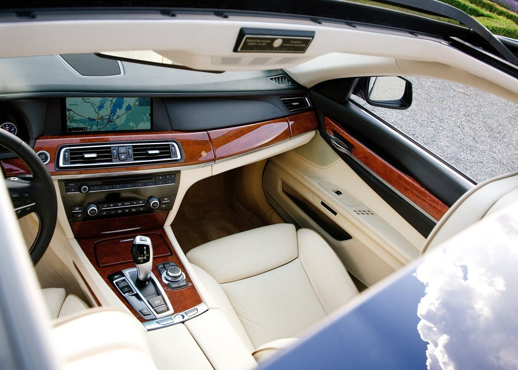 2010 Alpina BMW B7 Bi Turbo Interior  (Photo 8 of 14)