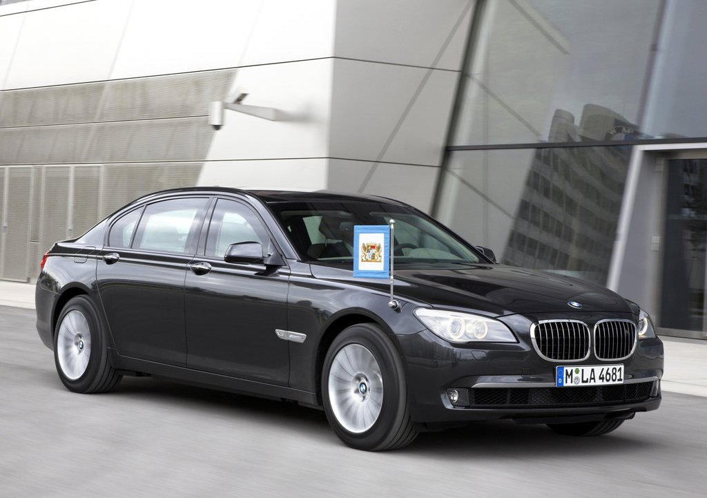 2010 BMW 7 Series High Security  (Photo 2 of 16)