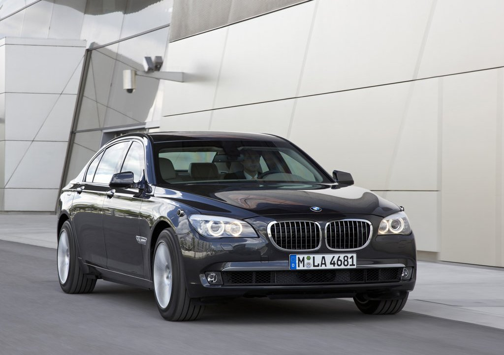 2010 BMW 7 Series High Security  (Photo 3 of 16)