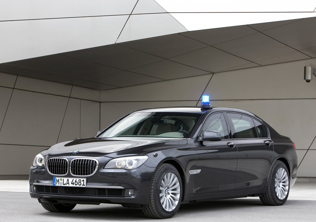 2010 BMW 7 Series High Security  (Photo 4 of 16)