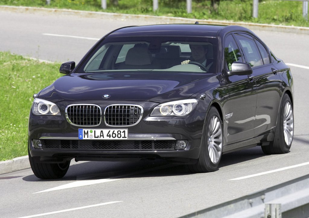 Featured Image of 2010 BMW 7 Series High Security Review