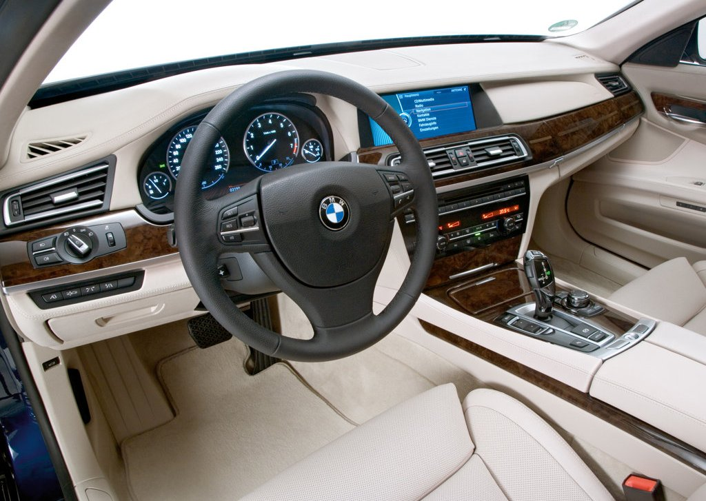 2010 BMW 760Li Interior (Photo 20 of 25)