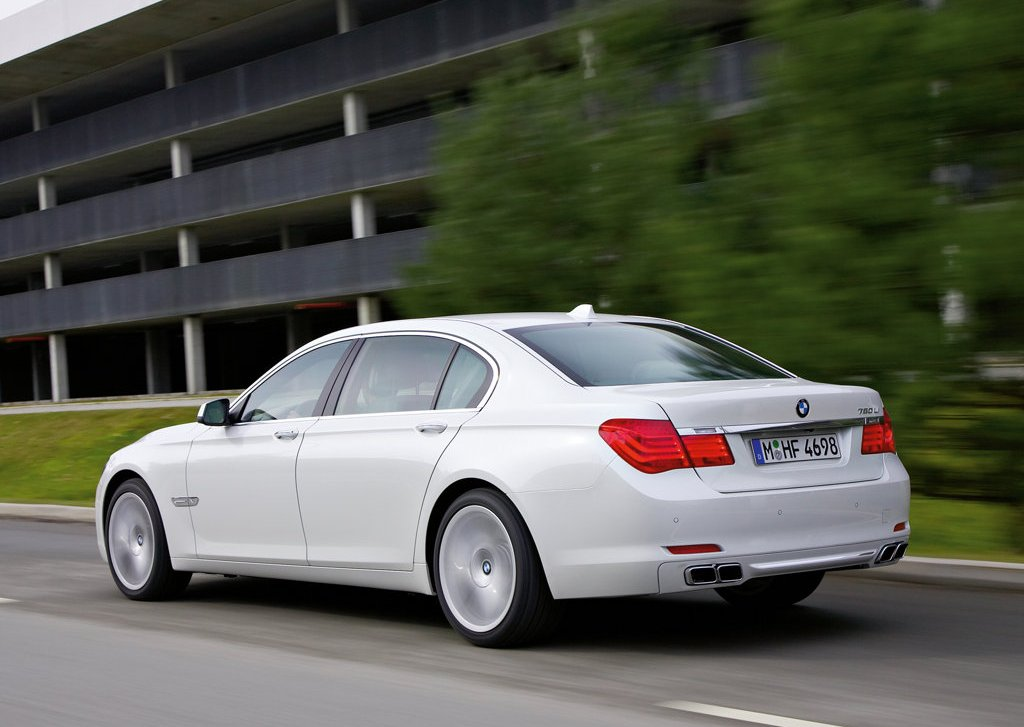 2010 BMW 760Li Rear Angle (Photo 24 of 25)